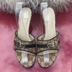 Gucci sandals with gold hardware size 38
